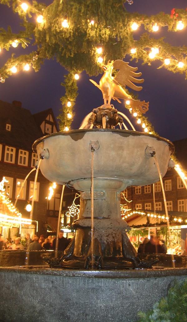 Brunnen Goslar zu Weihnachten